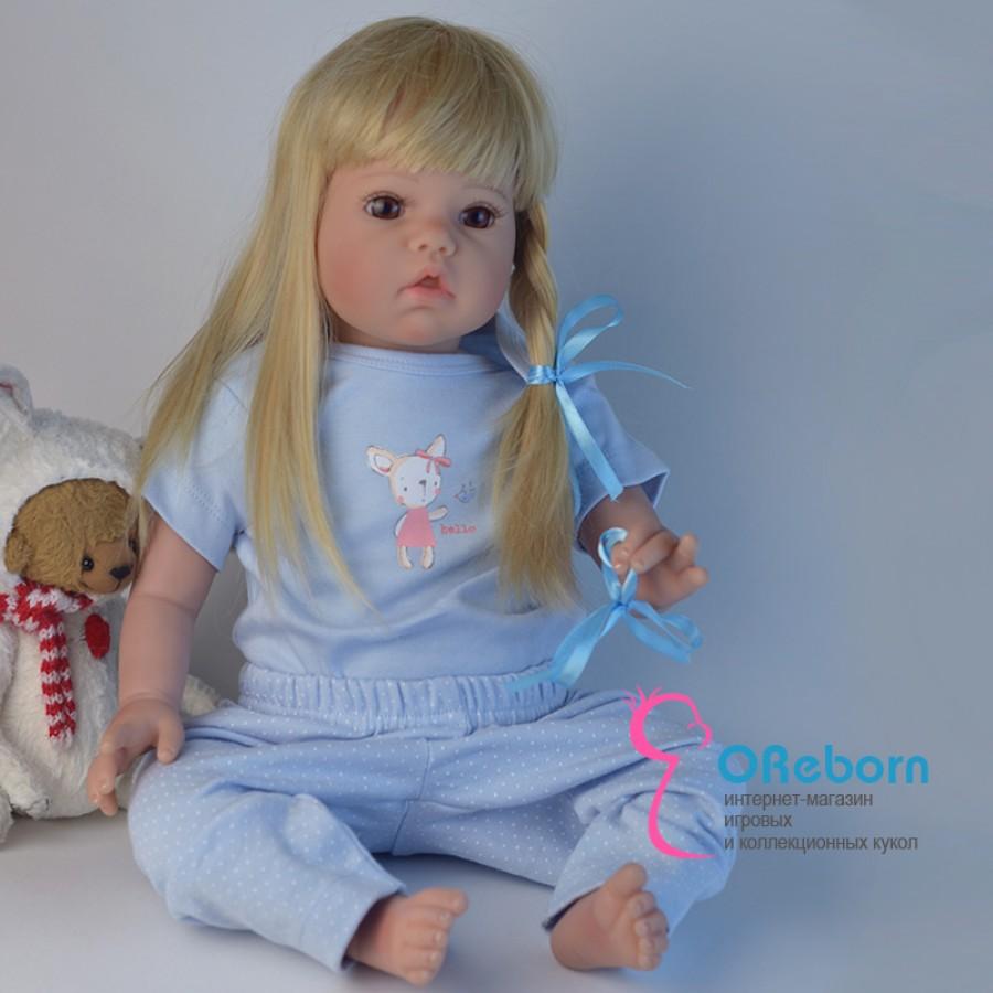 Кукла реборн с белыми длинными волосами и мягконабивным телом